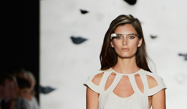 relationship between fashion and technology